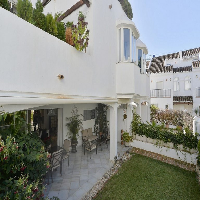 5 Bedroom Semi-Detached House in Marbella, Costa del Sol