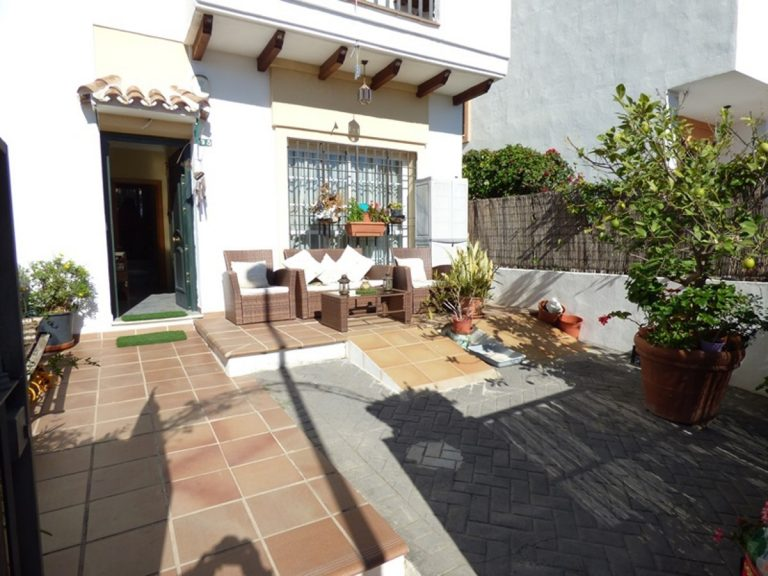 3 Bedroom Semi-Detached House in Marbella, Costa del Sol