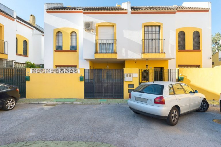 4 Bedroom Semi-Detached House in Marbella, Costa del Sol