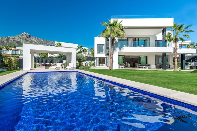 5 Bedroom Detached Villa in Marbella, Costa del Sol